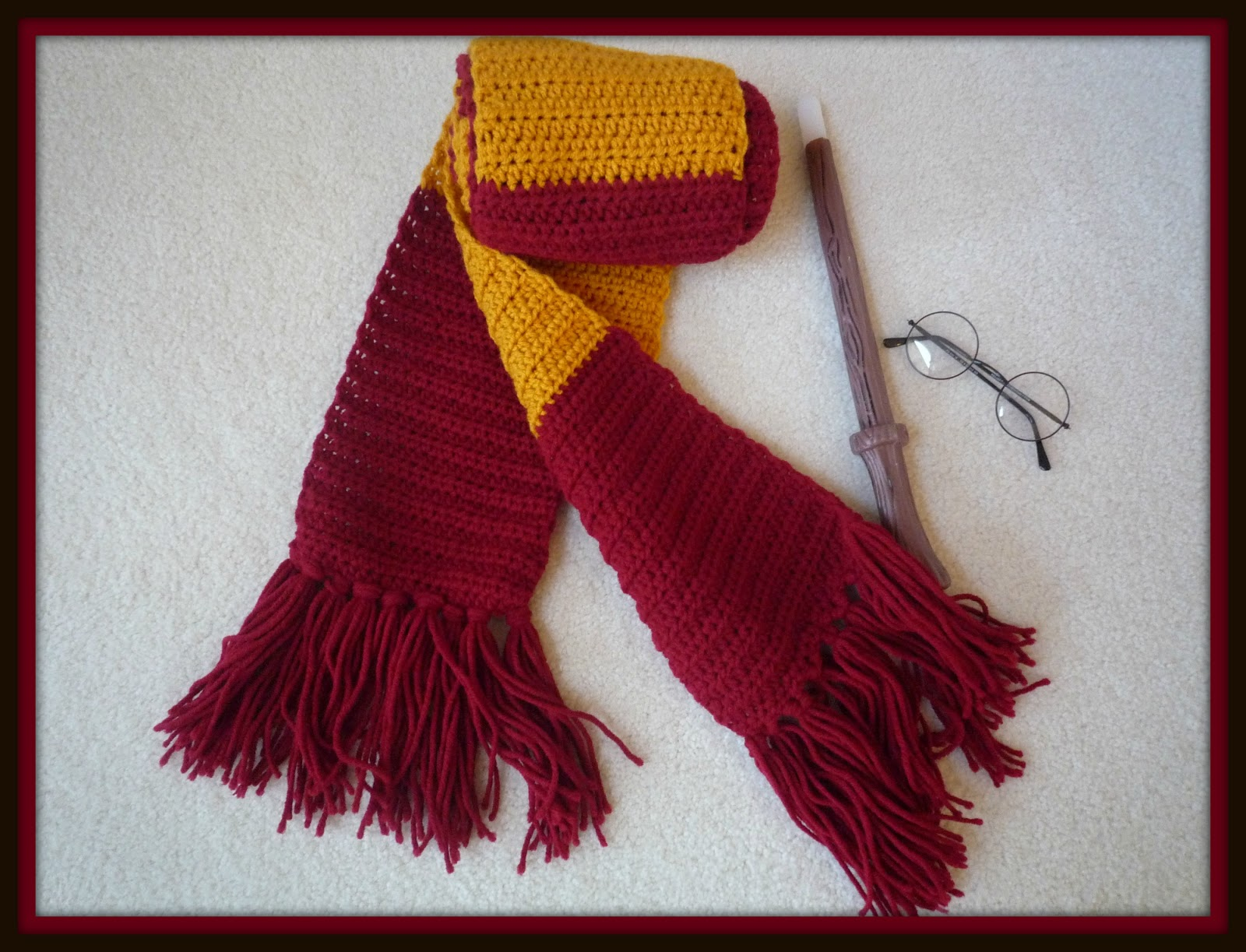 The Kansas Hooker: A Better Harry Potter scarf
