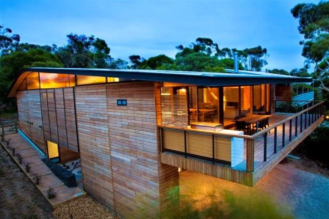 Casa citriodora dise o minimalista en madera seeley for Casas de madera minimalistas