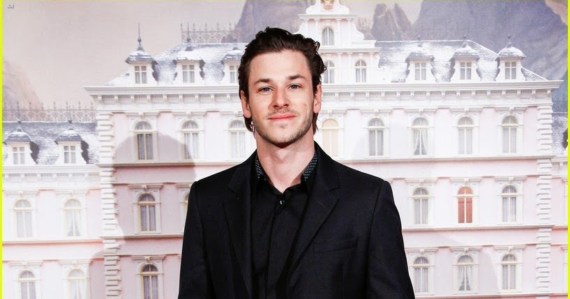 celeb diary gaspard ulliel at the premiere of the new. Black Bedroom Furniture Sets. Home Design Ideas