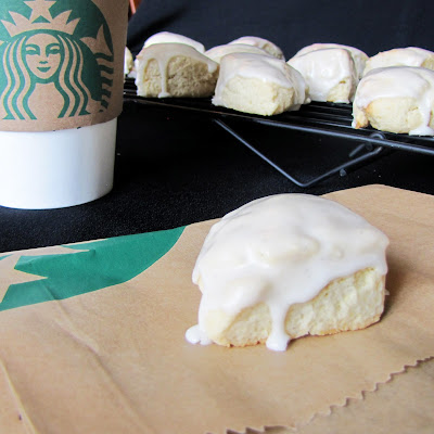 Rumbly in my Tumbly: Petite Vanilla Bean Scones (like Starbucks)