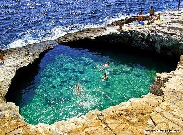 Γκιόλα - Μια Φυσική Πισίνα καταμεσής στο Πέλαγος!
