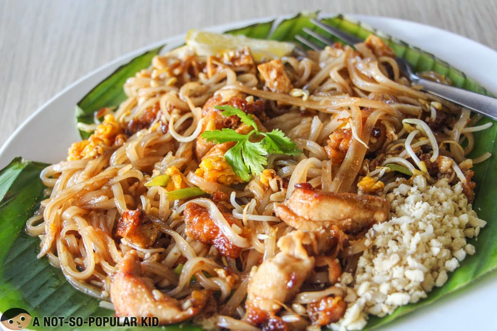 The not-so-impressive Pad Thai of Songkran Restaurant