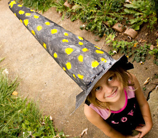 cara membuat kerajinan Topi penyihir dari koran bekas