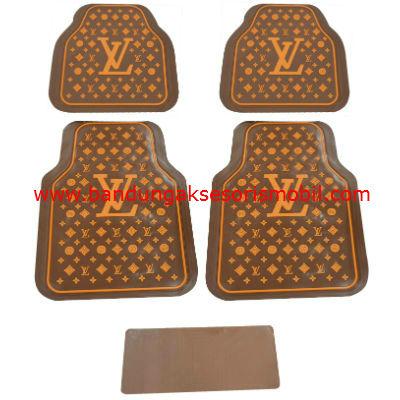 Karpet Lv Dasar Coklat Motif Cream Guang Zhou