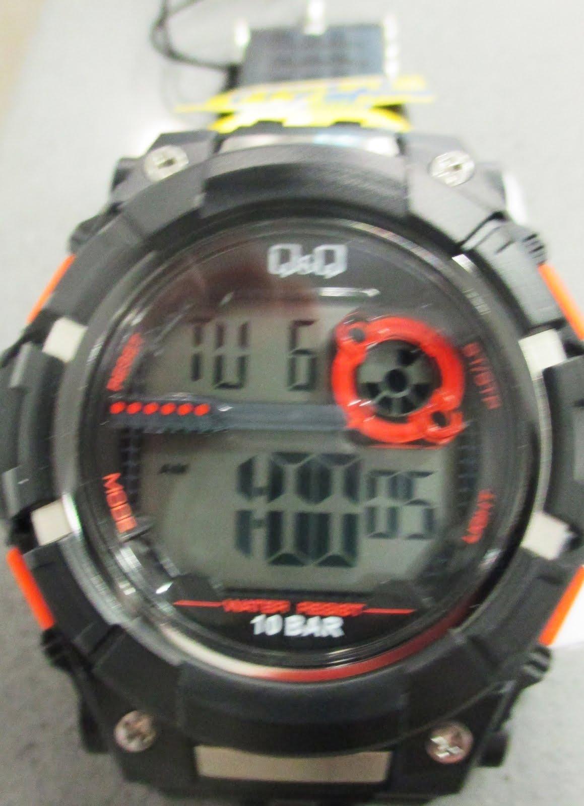 Reloj Q&Q, digital