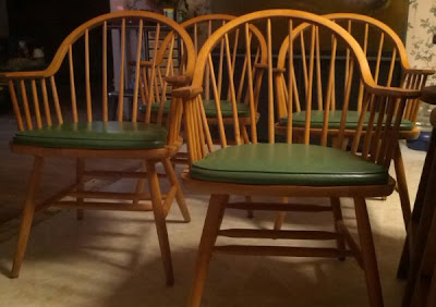Painted Windsor furniture, fun dining, Craigslist shopping, how to shop craigslist, Windsor Chair set, home decor, stylish furniture on a budget, DIY home