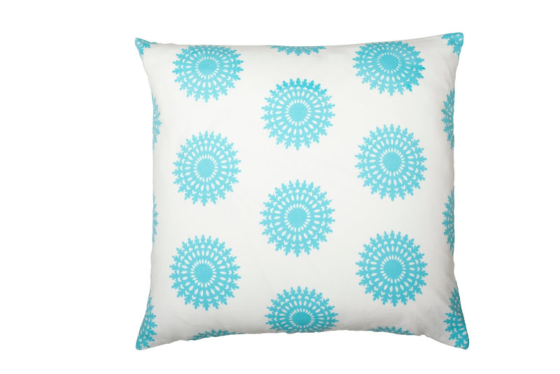 COCOCOZY Cotton Collection pillow in Wauwinet