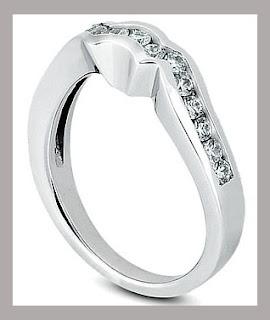Anillo de aniversario de bodas con diamante