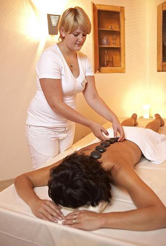 hot stone massage techniques pdf