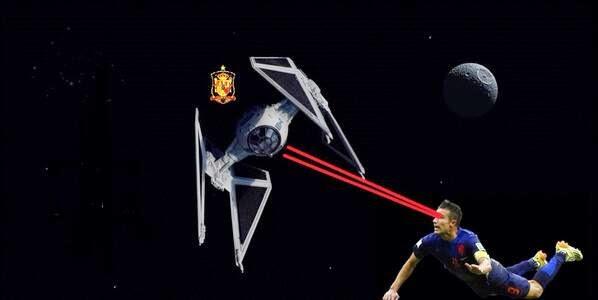 Gambar Gol Sundulan Van Parsie Lucu Piala Dunia 2014 Belanda vs Spanyol 5-1