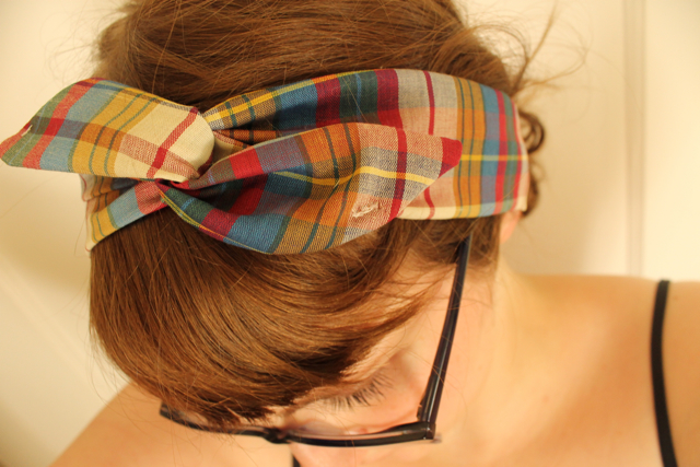 ... to show you how to make your very own wire headband they re super