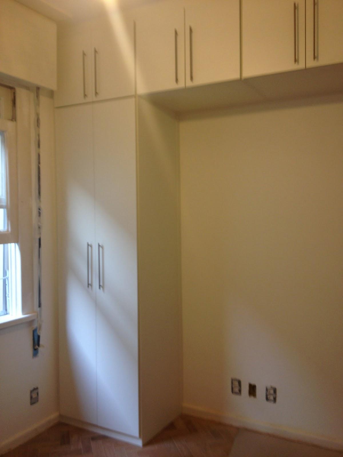 Como Colar Adesivo De Joia Na Unha ~ Nossa casa muito engraçada Montagem dos armários