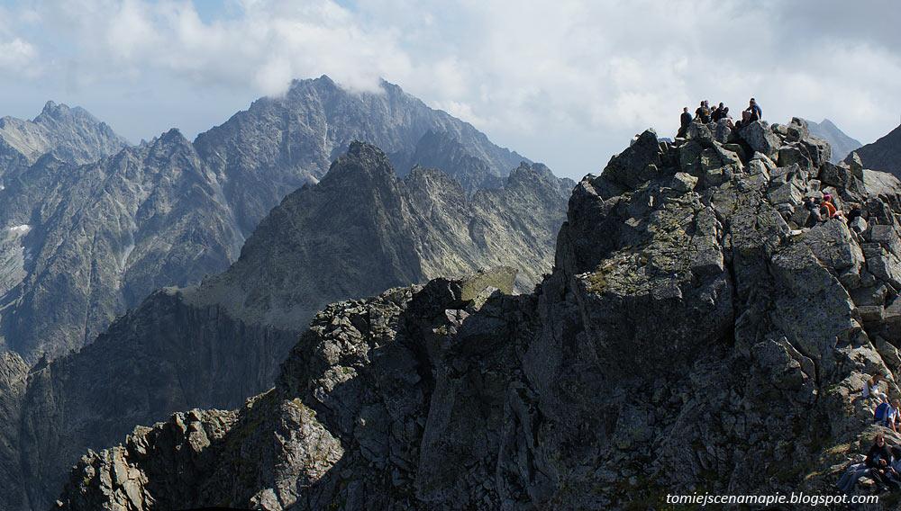 Rysy szczyt, turyści w Tatrach
