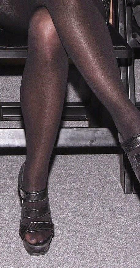 Joanna levesque sexy legs