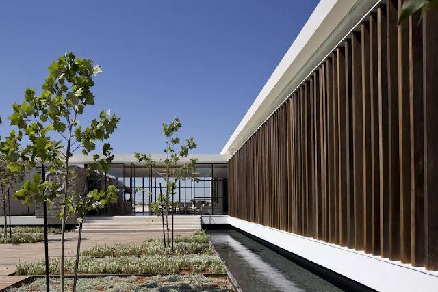 03Gindi-Holdings-Sales-Center-by-Pitsou-Kedem-Architects