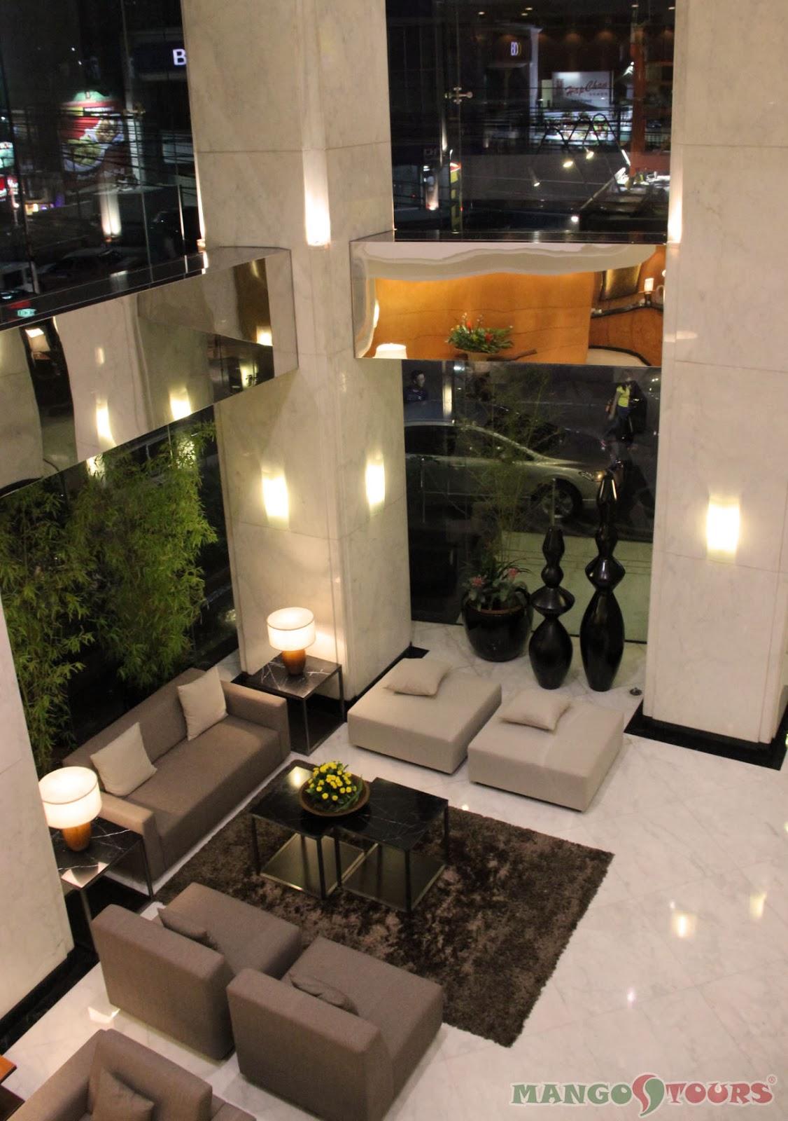 City Garden Hotel Makati lobby lounge 2