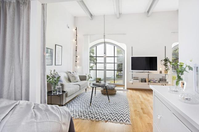 Arredare piccoli spazi] ristrutturare un mulino small living room