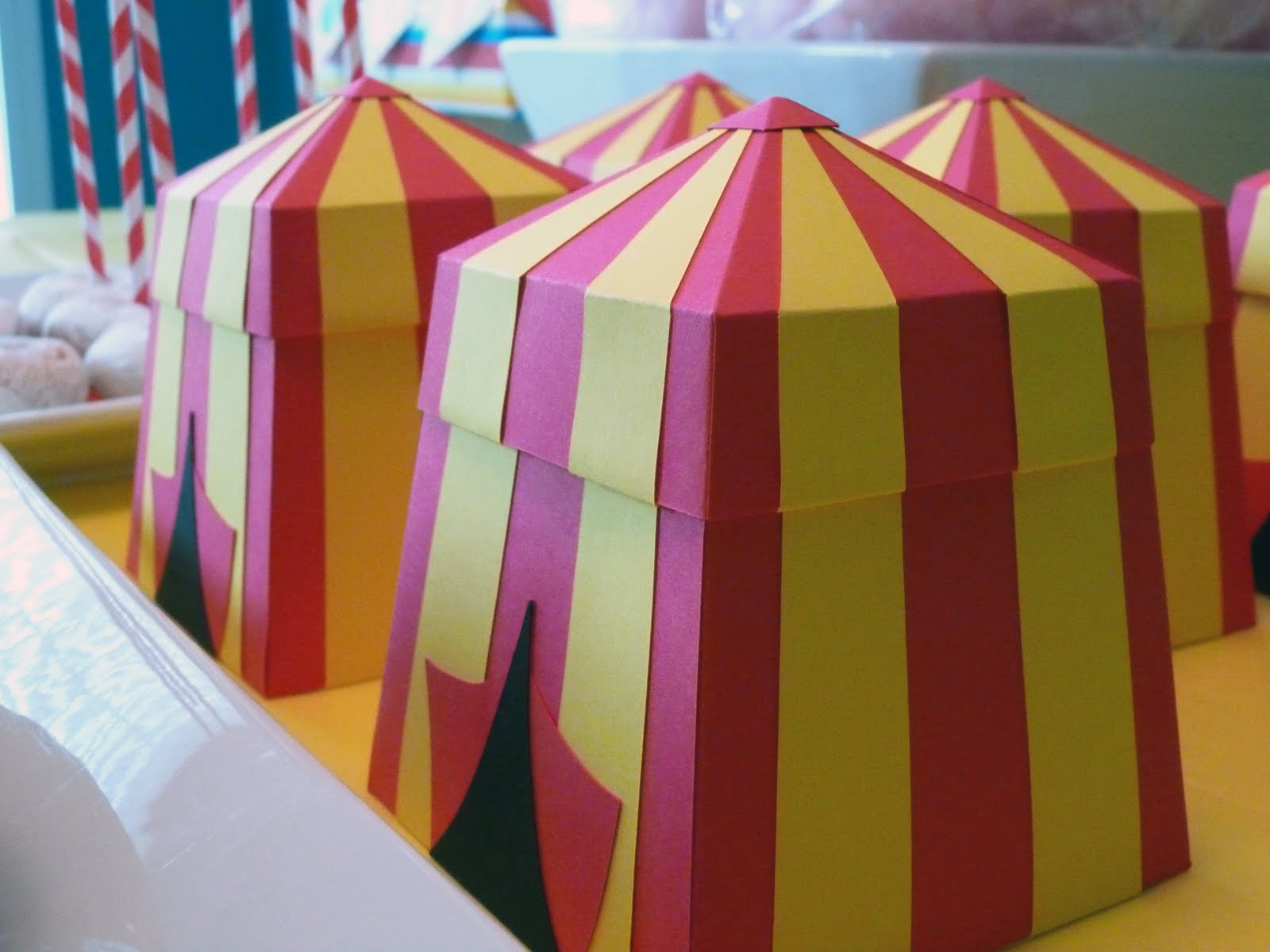 Carnival Circus Tent Favor Gift Boxes & FavorMakers Blog: Vintage Carnival Circus (Squared Party Printables)
