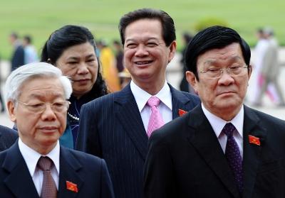 Tại sao Nguyễn Tấn Dũng không bị 'cưa ghế'?