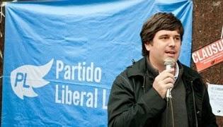 Un farsante, depredador e impostor que dirige al Partido Liberal Libertario.