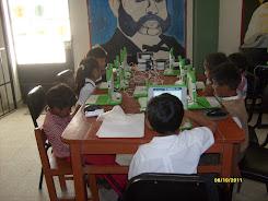 Niñas y niños de primer grado de primaria