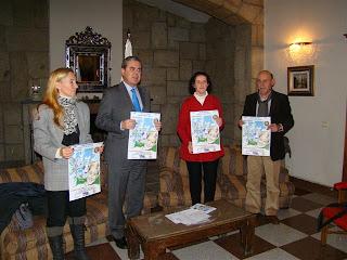 El presidente rotario, Antonio Aviles LA edil de AASS y la presidenta  de cruz roja Béjar