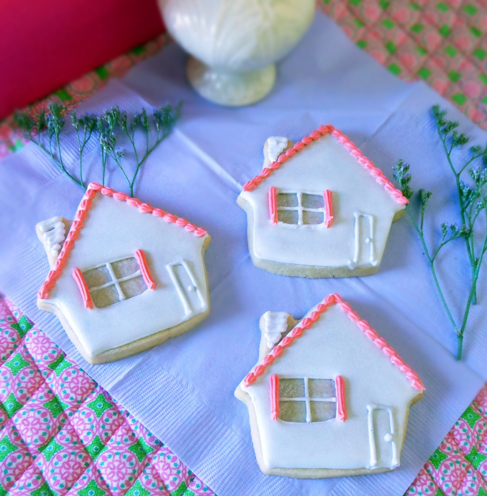 my cookie clinic bungalow cookies home sweet home. Black Bedroom Furniture Sets. Home Design Ideas