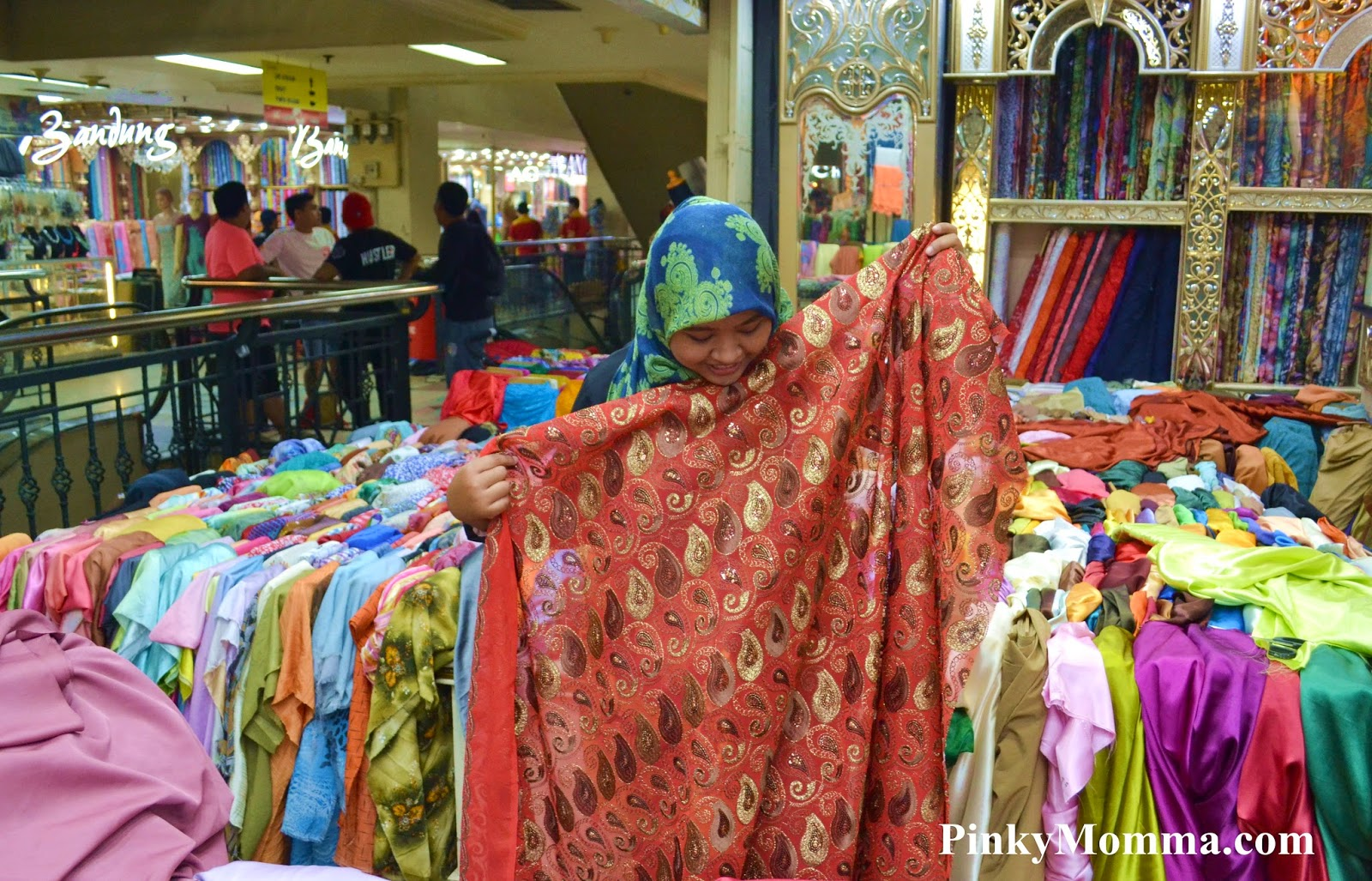 Pinky momma Baju gamis pasar baru bandung
