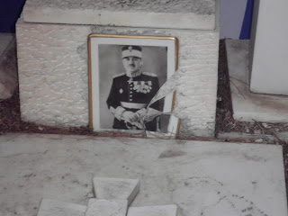 Η Χρυσή Αυγή τίμησε την μνήμη του ήρωα του ΟΧΙ, Στρατηγού Χαράλαμπου Κατσιμήτρου