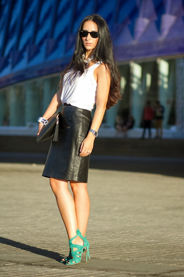 VALENCIA FASHION WEEK LOOK: LEATHER PENCIL SKIRT
