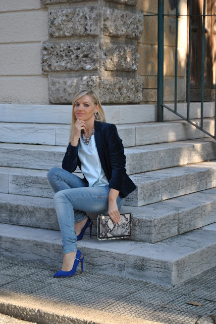 outfit scarpe blu come abbinare le scarpe blu abbinamenti scarpe blu scarpe modello chanel mariafelicia magno fashion blogger colorblock by felym fashion blogger italiane fashion blog italiani fashion blogger bergamo fashion blogger milano outfit autunnali outfit novembre blue shoes how to wear blue shoes how to combine blue shoes blue shoes outfit fashion bloggers italy bionde e tacchi blonde girls and heels fall outfit november outfit
