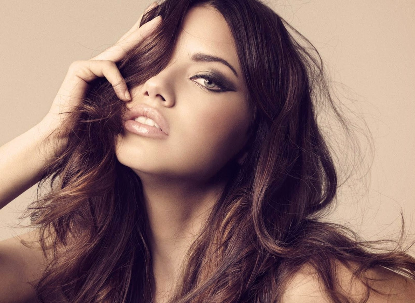Adriana Lima Wallpapers Free Download