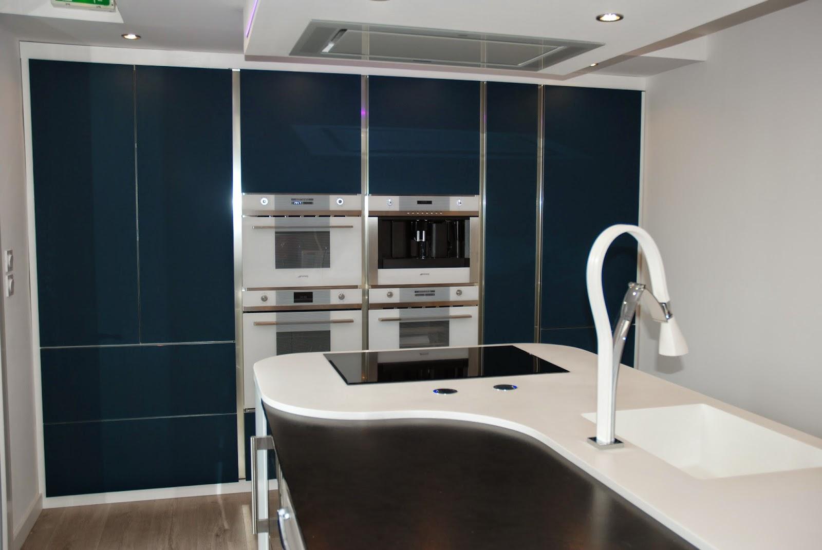 Base 33 arredo3 l 39 art de la cuisine en verre - Poubelle cuisine integrable ...