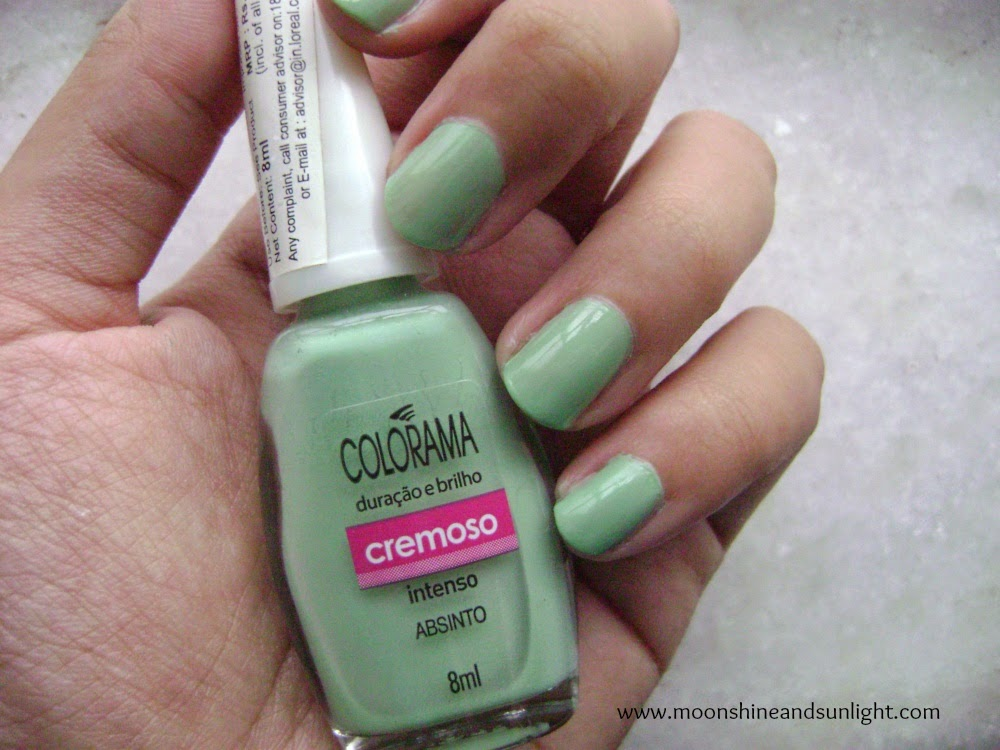 Maybelline Colorama nail polish in Absinto review and swatch , mint nail polish