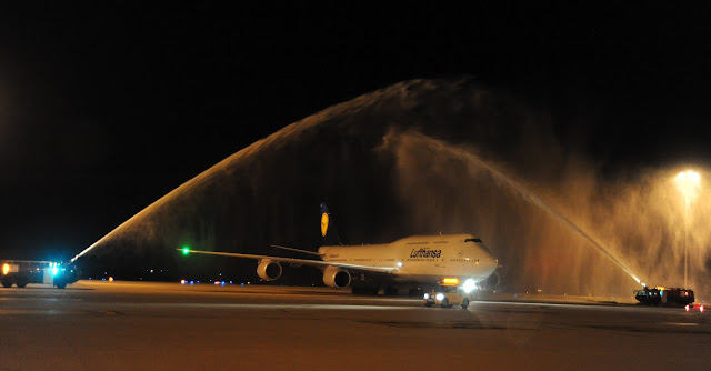 Lufthansa Boeing 747-8i LH754 Frankfurt to Bangalore Water Cannon Salute D-ABYA