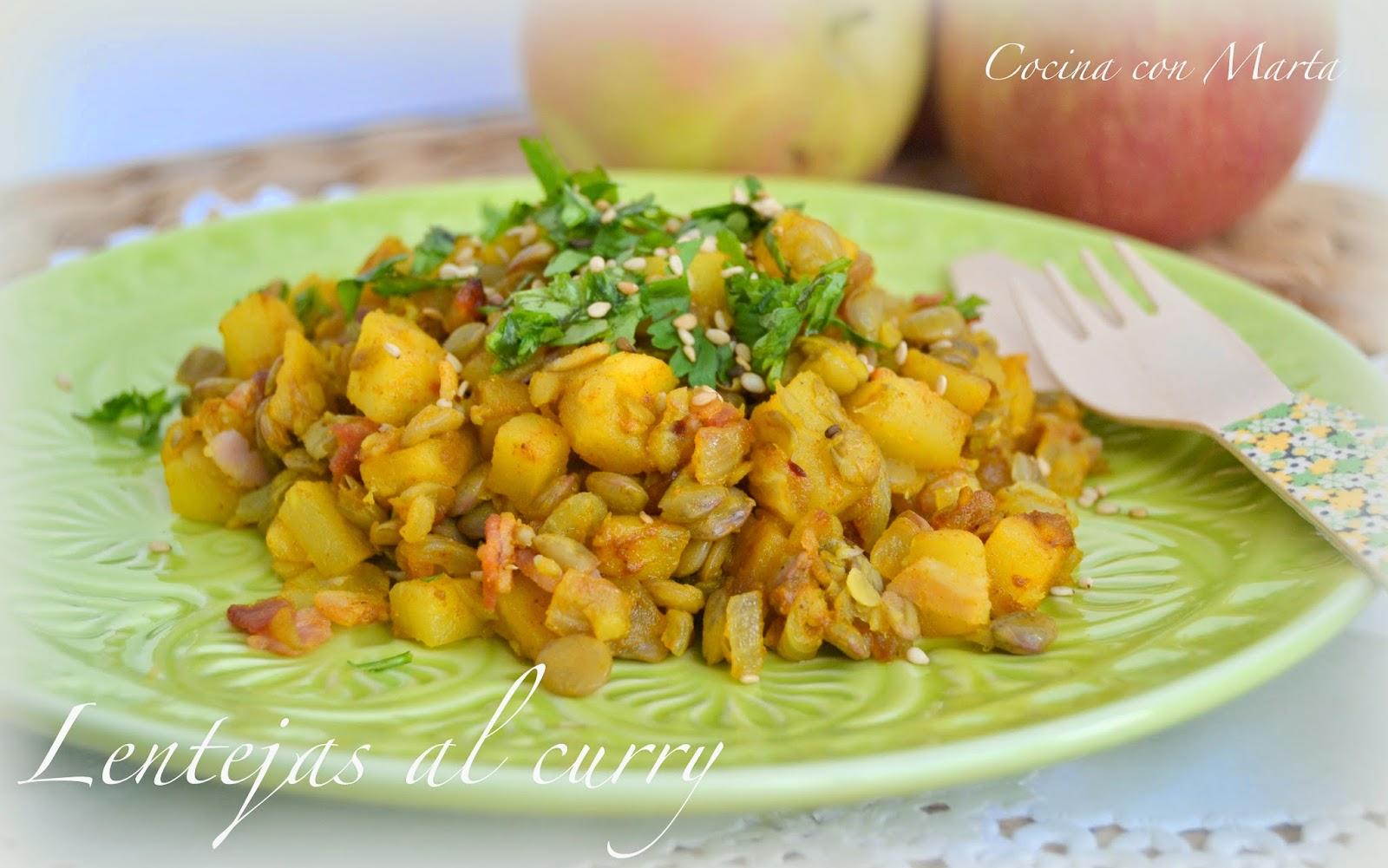 Lentejas al curry con manzana y bacon. Receta casera, fácil y rápida. Para llevar en el tupper.