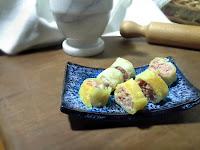 Involtini con salame di tonno per antipasto alla  vigilia di Natale