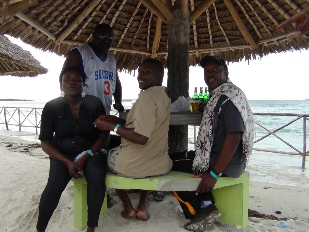 Kutombana blog bandari club ndani south beach