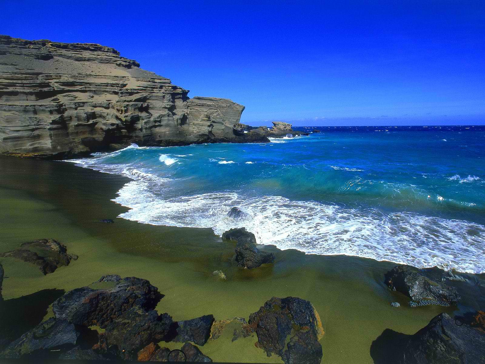 Papakolea Green Sands Beach Hawaii best sea adventures
