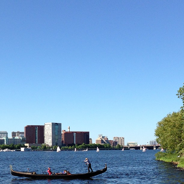 gondola_boston_charles_river