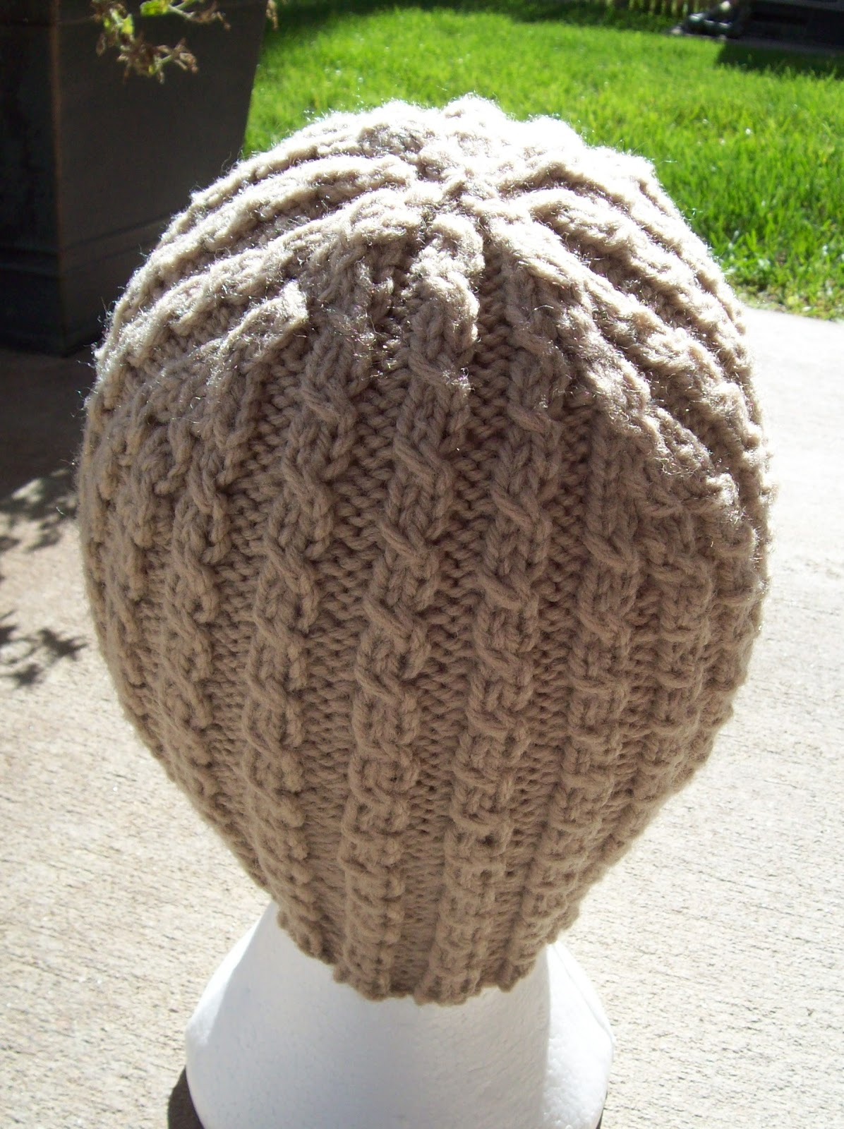 Just Knitting : Ribbed Hat Pattern