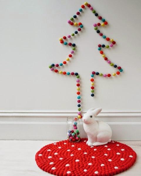 Arbol de Navidad con guirnalda de colores