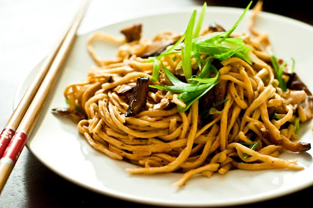 Yi Mein (Birthday Noodles!) ~ Save-ory Kitchen