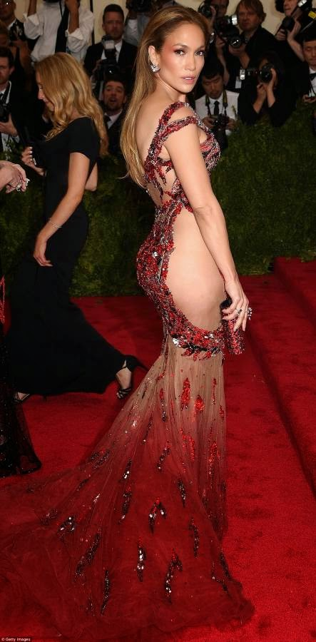 met gala 2015 red jennifer lopez