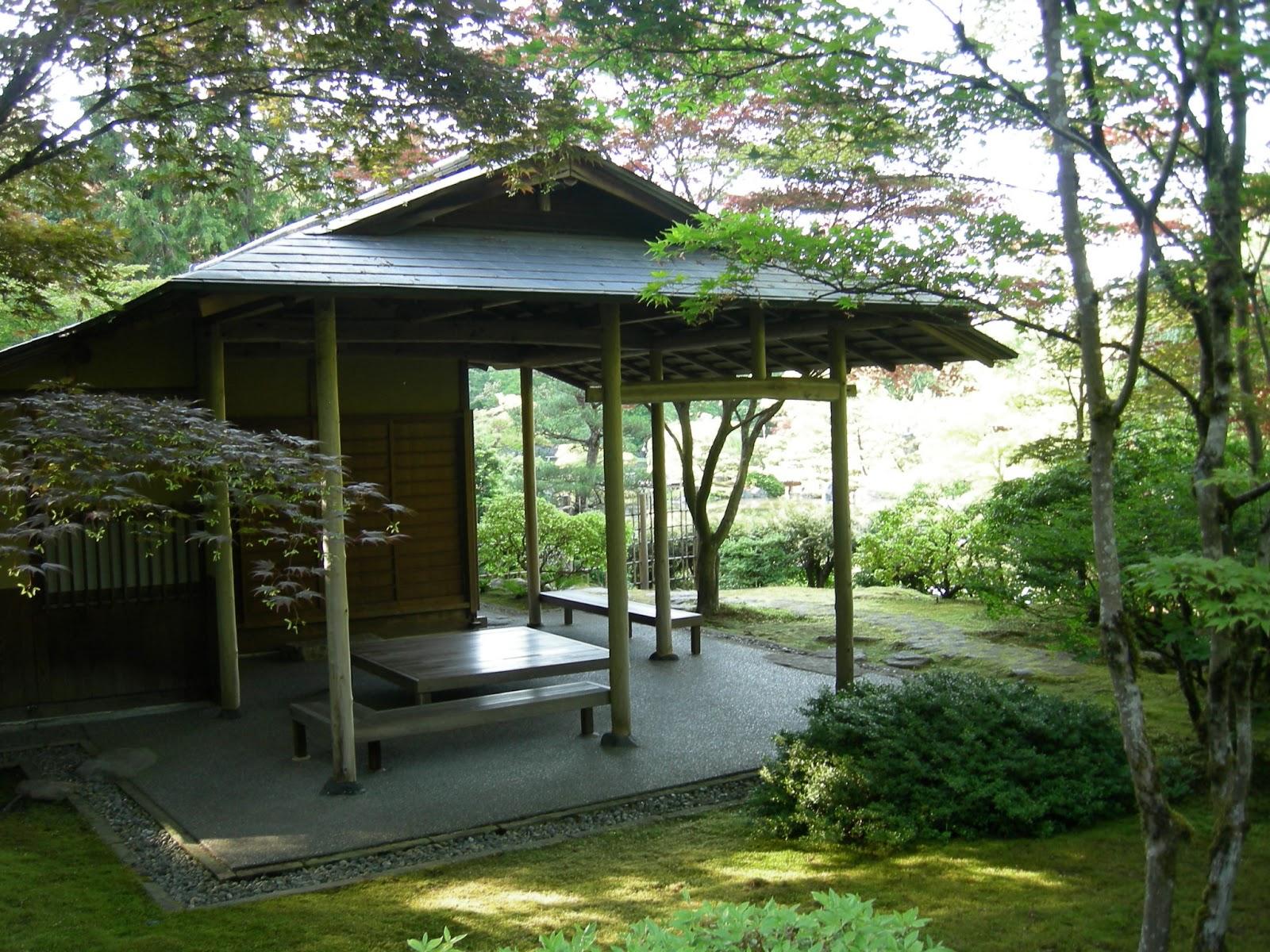 Japanese zen garden japanese tea house for Japanese style garden house