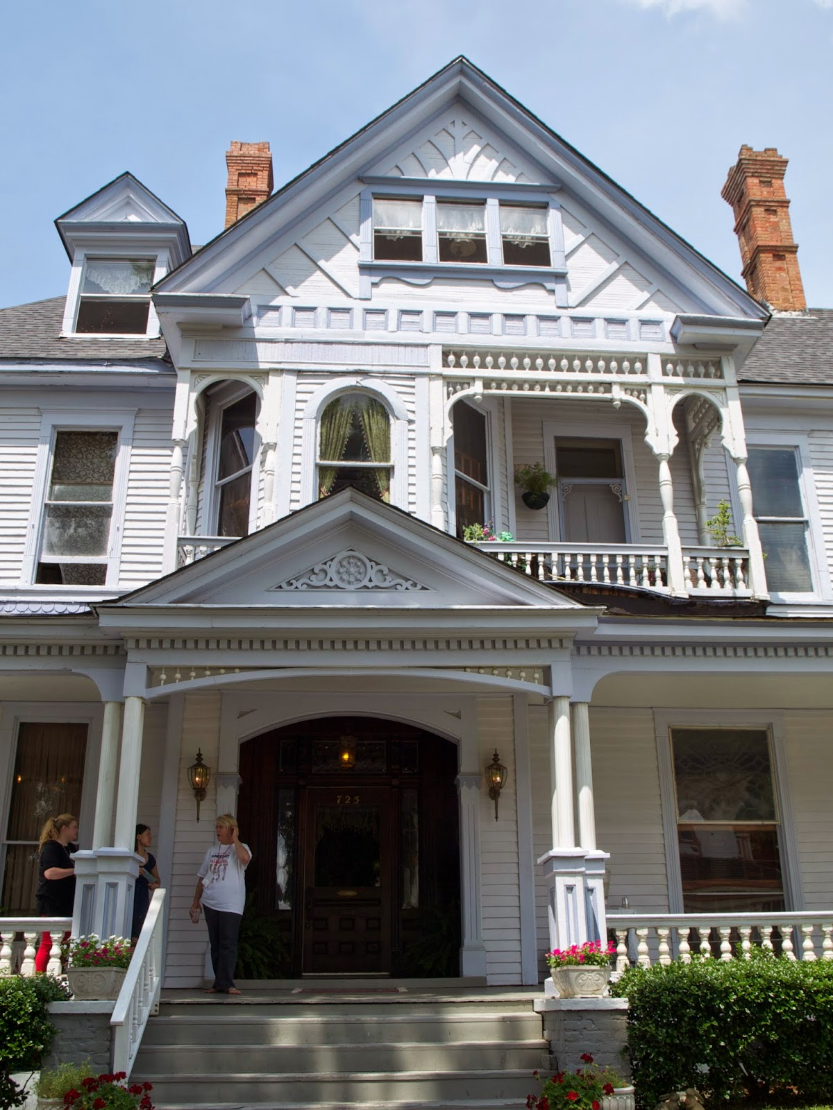 Haunted Deep South Shreveport S Logan Mansion And Other