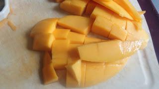 how to make mango lassi4