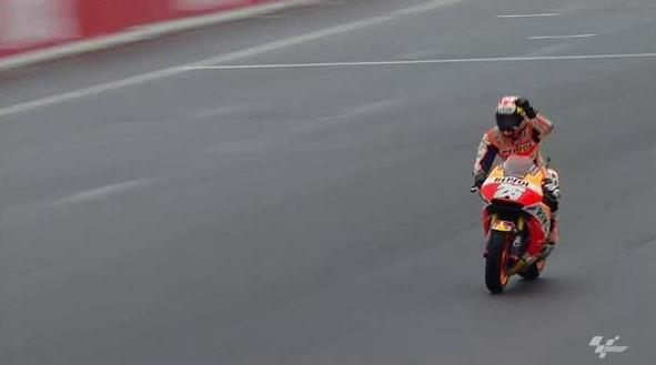 Cuplikan MotoGP : Dani Pedrosa Menyalip Rossi dan Lorenzo at Motegi Jepang!