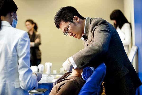 Radiesse, 晶亮瓷研討會趙彥宇醫師示範下顎線條注射