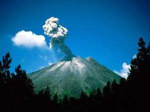 Volcán de Santorini (Grecia) se expandió entre 10 y 20 millones de metros cúbicos, hasta 15 veces el tamaño del Estadio Olímpico de Londres, entre enero de 2011 y abril de 2012